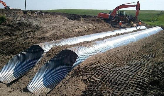 Укладка водопроводной трубы