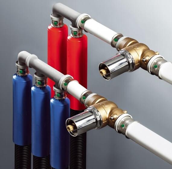 Металлопалстиковые трубы с фитингами